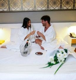 Hotel Arenales Noche Romantica